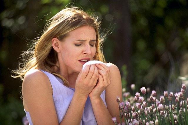 Начинается кашель что делать чтобы не разболеться. Что может вызвать кашель – чем и как его лечить