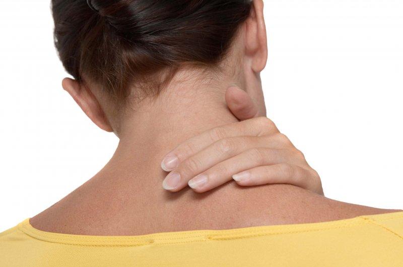 Жжение в ухе: причины и лечение