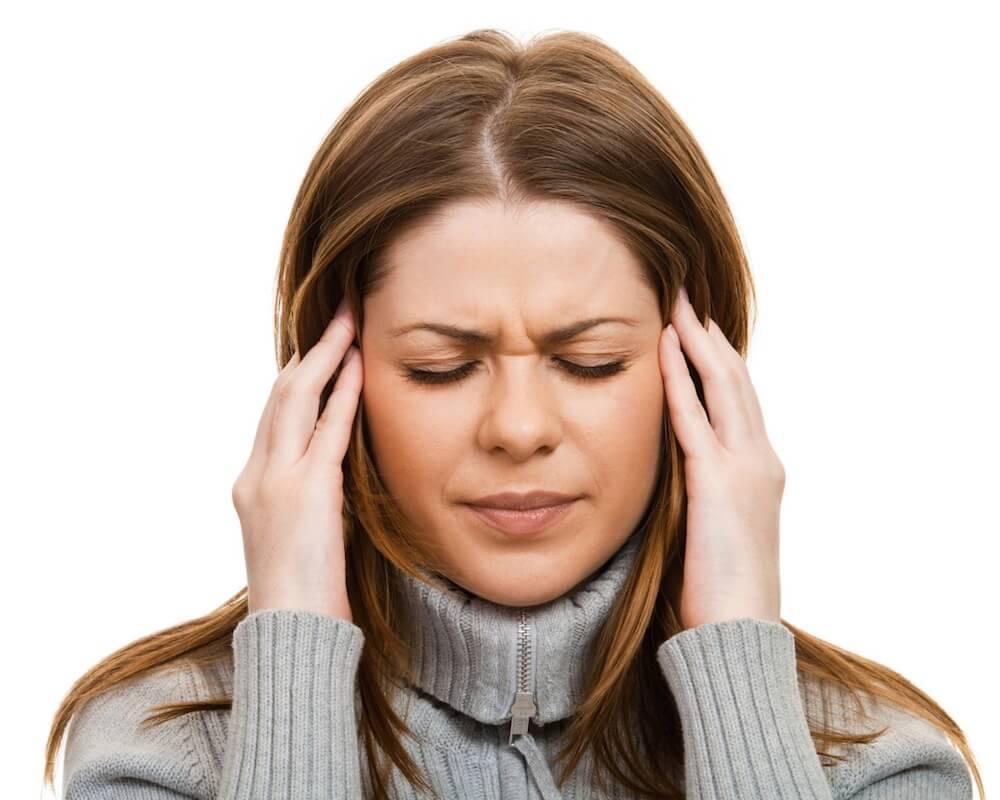 Болит челюсть возле уха: все возможные причины